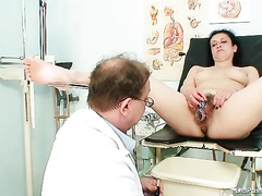 Mature bitch Helena gets her dirty twat examined