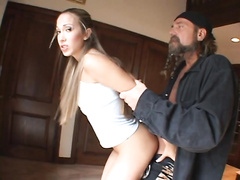 Lusty bitch Jamie Elle copes with three big cocks