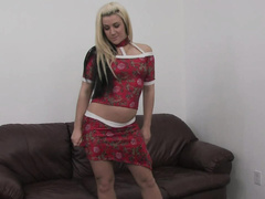 Naughty blonde gets her mouth and pussy to work