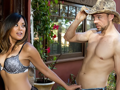 Gardener Erik can't resist in front of Singaporean Kaylani Lei