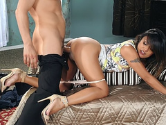 Kaylani Lei gets off on perfect skills of experienced fucker's dick