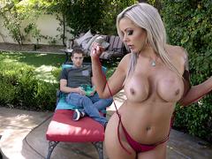 Hot Mom Swims - Nina Elle - Brazzers HD