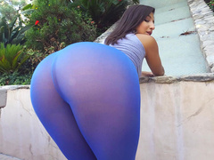 Mom Abella Danger wears tight blue leggings and her ass looks so sexy