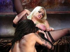 Blonde stepmom Jesse Jane wakes up invites Bonnie Rotten for lesbian sex