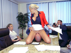 Profligate female boss Nina Elle dies in pleasure when subordinate lick pussy