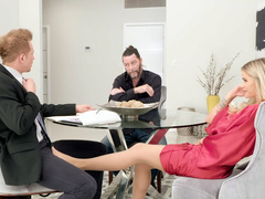 Wife Jessa Rhodes cheats on hubby by sucking dick of his insurance salesman