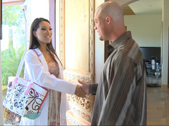Porn star Asa Akira is a acupuncture specialist