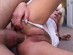 Juicy granny whore taking huge cock in her asshole