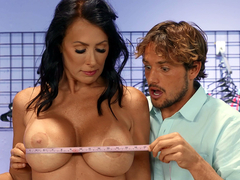 What Size Are You? Reagan Foxx - Brazzers HD
