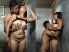 desi young couple bathroom fuck