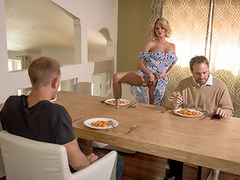 Blonde mom Joslyn James seduces stepson using her exceptional XXX tits