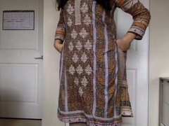 Desi XXX - Self Recorded Pakistani Sex Video Of Sexy Babe Getting Naked