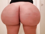Curvy XXX! Amateur and busty blonde thick MILF feels confident on webcam