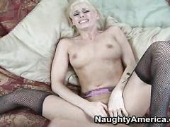 Cute blonde Darryl hottie wakes big cock for suck